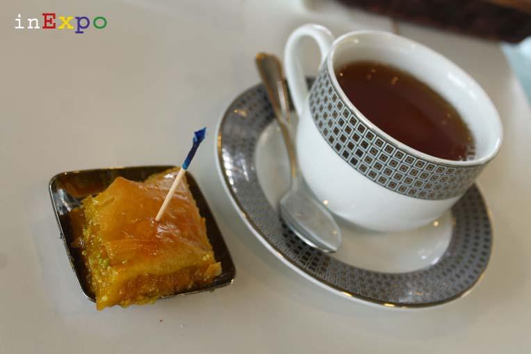 baghlava e cinnamon tea ristorante iraniano in Expo