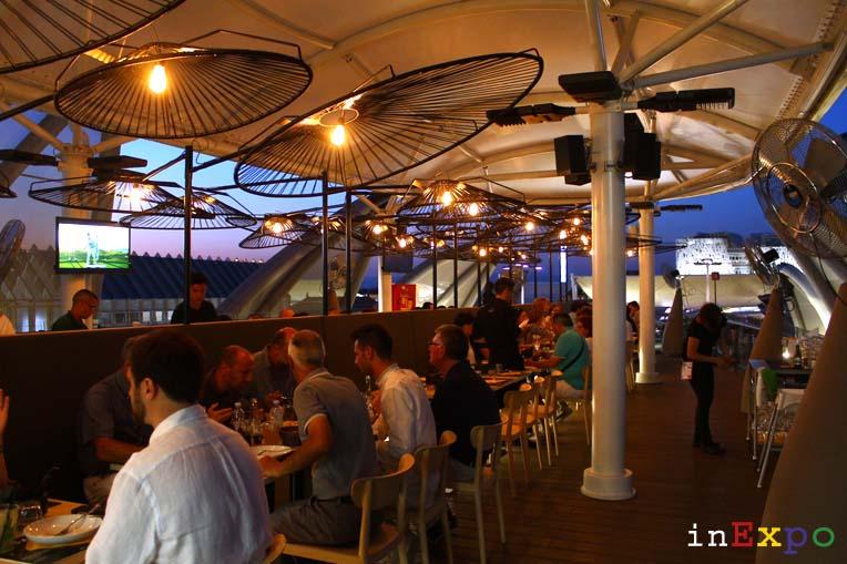 Tavoli ristorante messicano Besame Mucho in Expo