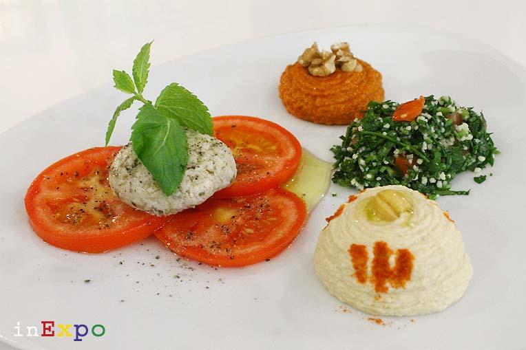 Selezione di Arabic Mezzeh ristorante omanita in Expo