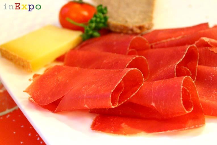Carne secca dei Grigioni IGP ristorante svizzero in Expo