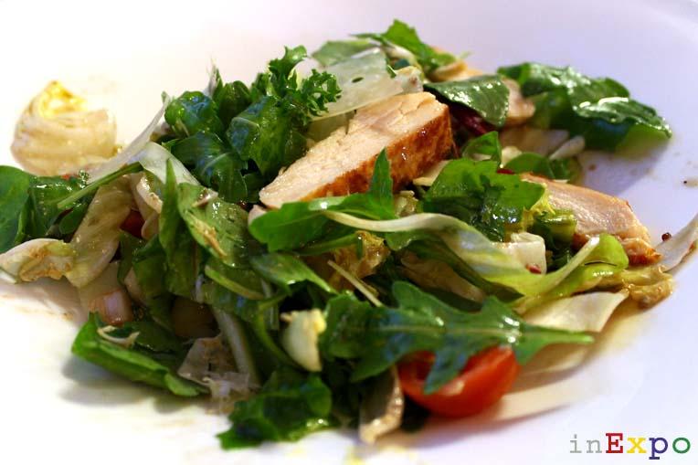 insalata contadina con pollo ristorante svizzero in Expo