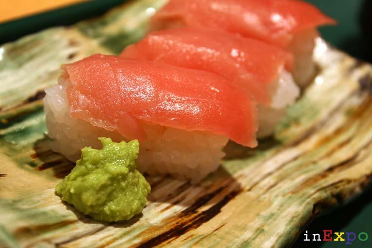 sushi tuna nigiri ristorante giapponese in Expo
