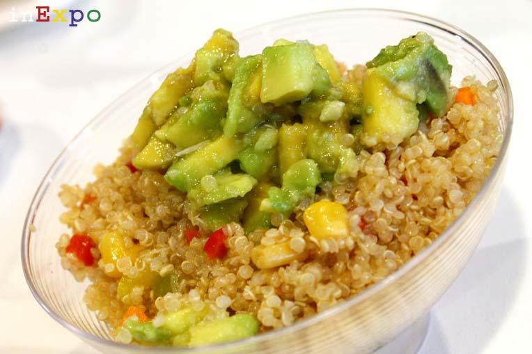 Ensalada de quinoa ristorante ecuadoregno in Expo