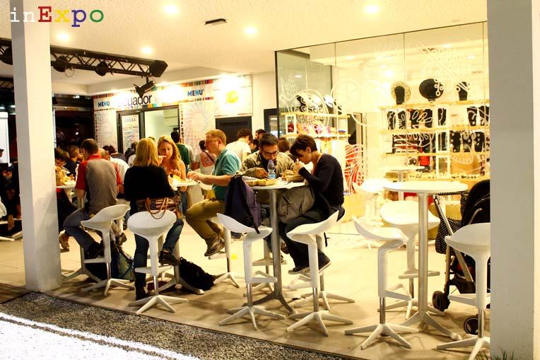 tavoli ristorante ecuadoregno in Expo