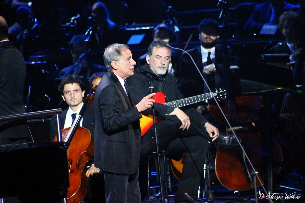 Bocelli and Zanetti night - Roberto Vecchioni canta Luci a San Siro
